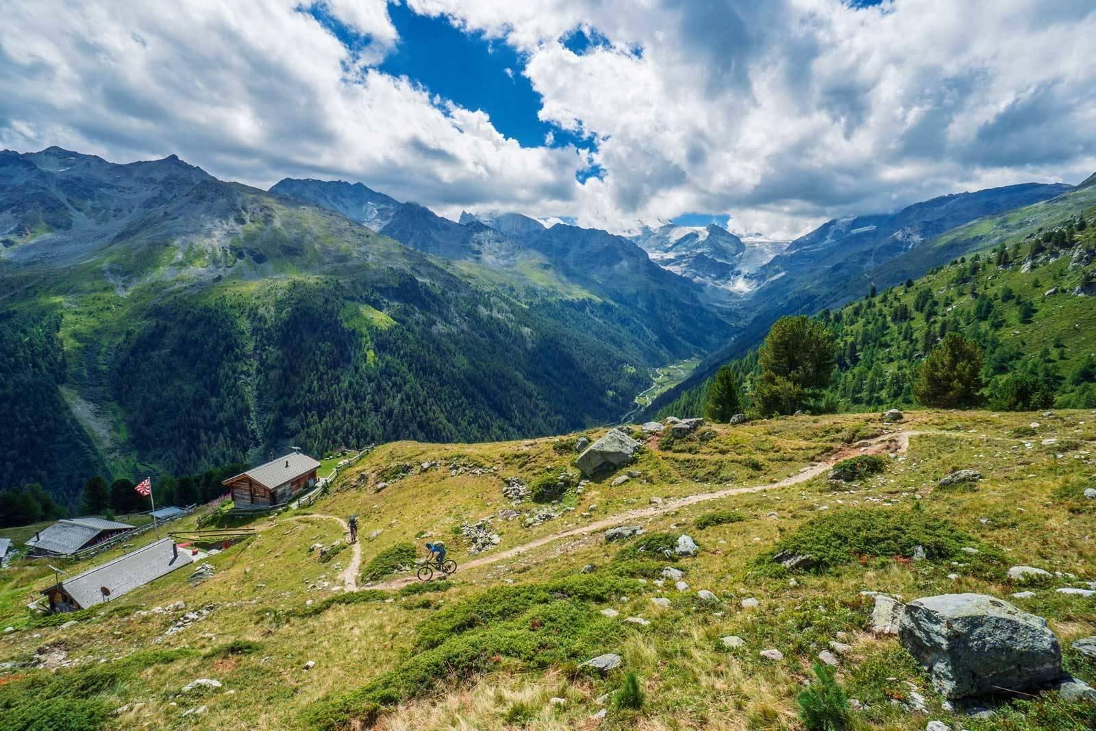 Haute-Route-på-sykkel-Zermatt