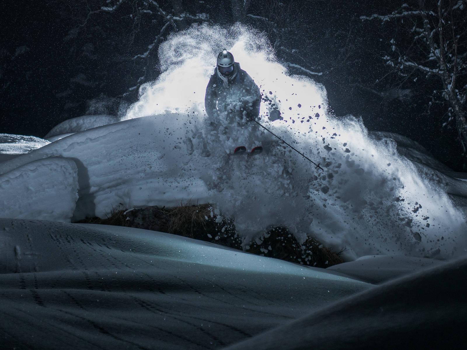 Kveldskjøring hodelykt Knut-Hendrik Lajord. Foto: Vegard Aasen