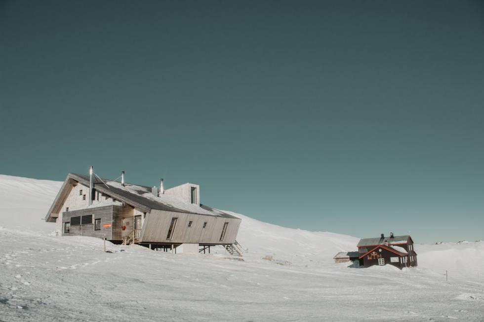 Høgevarde gamle og nye hytte