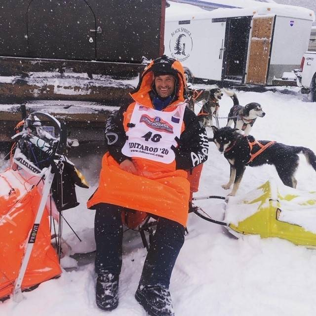Thomas Byfuglien Wærner Iditarod resting dogs
