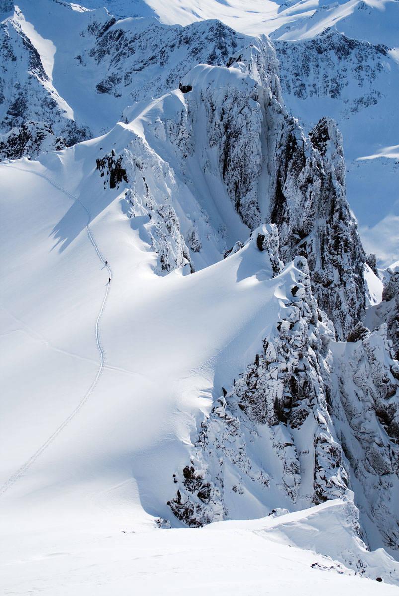 To skiløpere på vei opp til Randers Topp