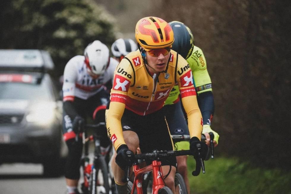 Jonas Abrahamsen sykler Rocket Man Charity Ride