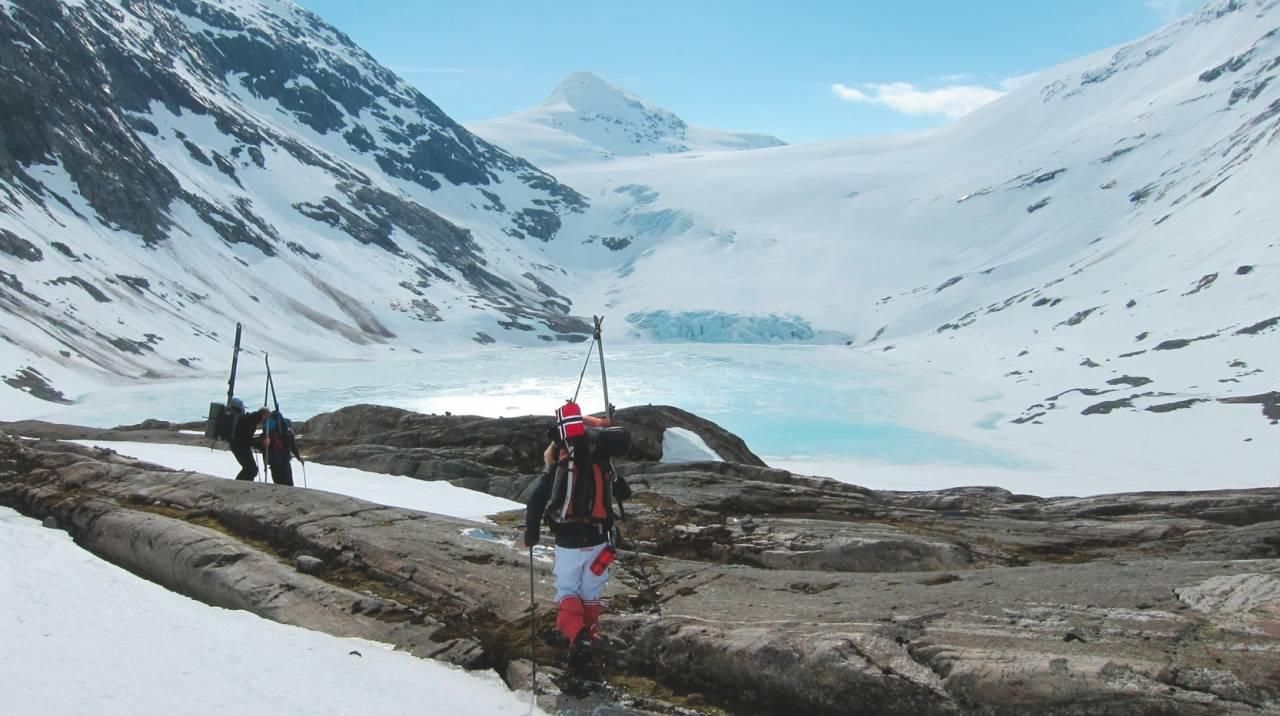 Josten på langs er en populær klassiker på denne tiden av året. Foto: Kristin Kjensberg