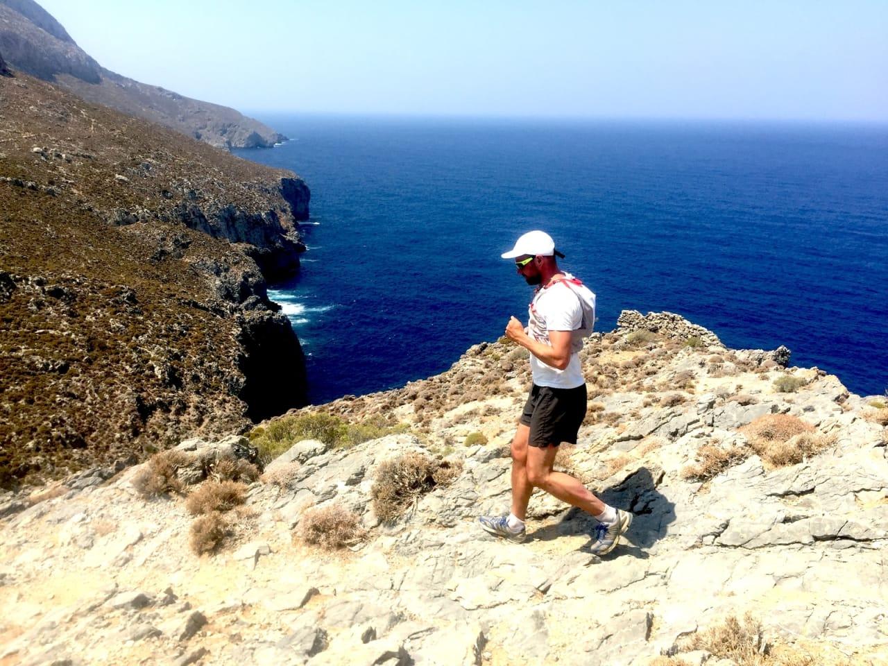 KALYMNOS TRAIL: Høsten i Hellas er varm å løpe i, men en nydelig vind fra havet gjør temperaturen levelig.