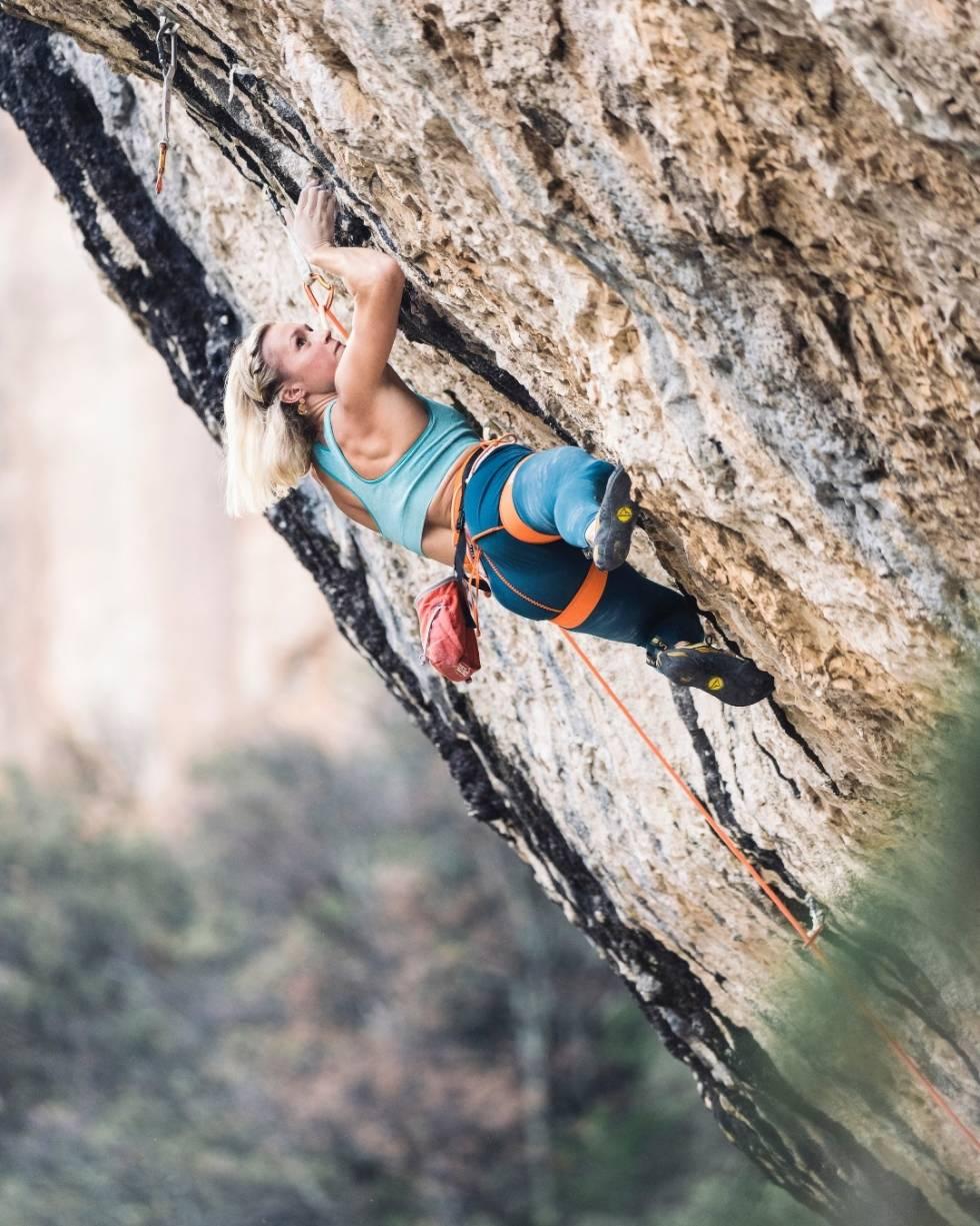 DET ALPINE LIV: Skikjørere har tradisjonelt sett hatt sterke bånd med klatresporten. Bilde: Petzl