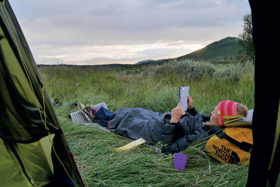 leirplass utenetter hvile telt lesing uteskolen
