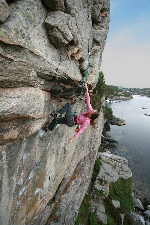 Bergen klatring HJALLAVEGGEN: Marie Sunde på Humlepung (7) på Hjallaveggen. Foto: Erik Faugstad