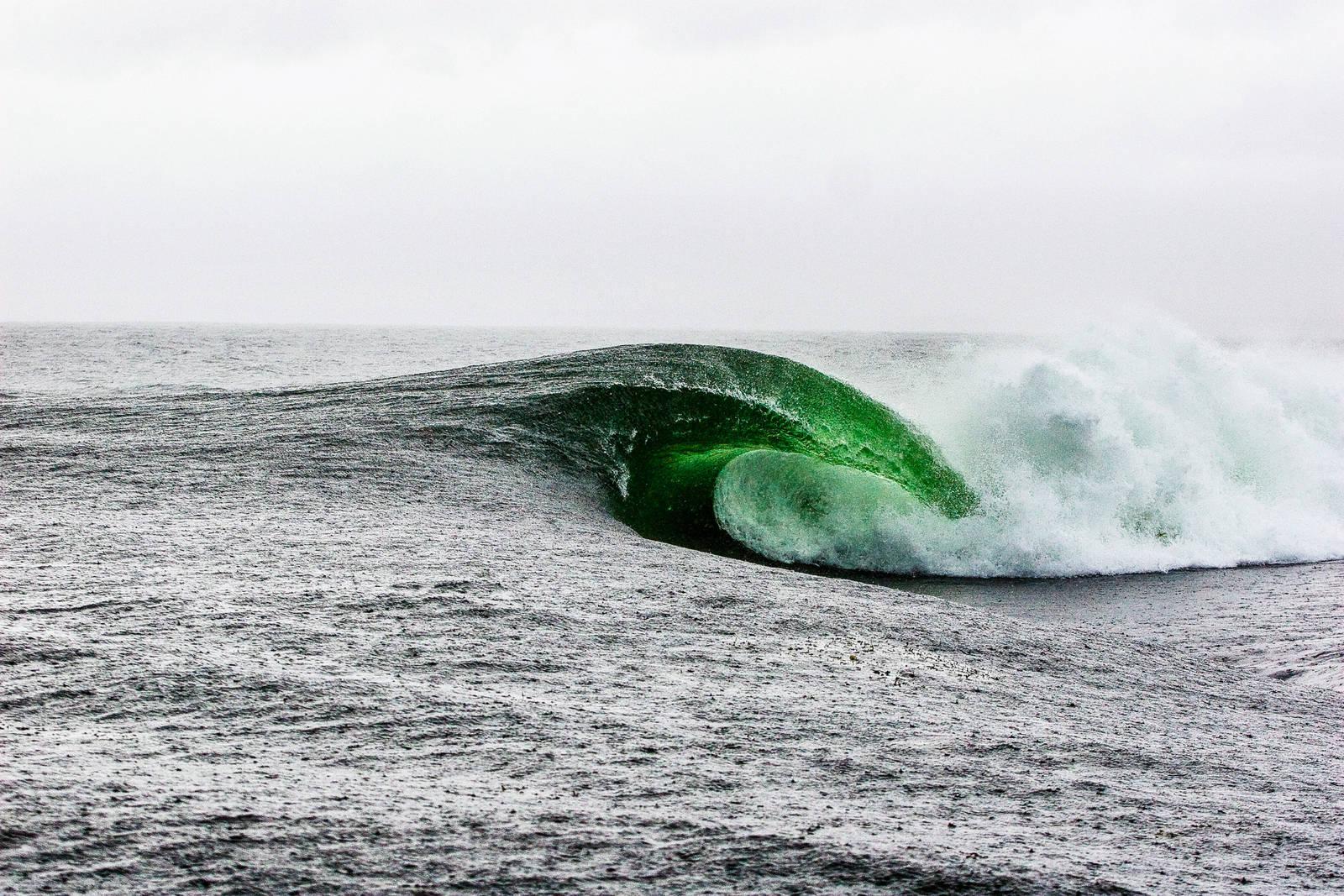 Det kan være fristende å sammenlikne Boffen med den verdensberømte bølgen Teahupoo på Tahiti. Boffen suger opp vannet foran deg og nærmest tørrlegger revet i forkant. Bilde: Christian Nerdrum