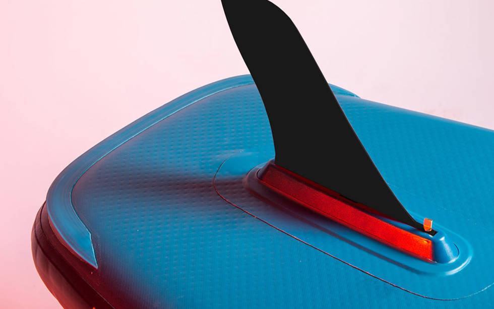 RED sine sup-brett sin løsning for å lage kantene skarpere slik at vannet slipper båten lettere.