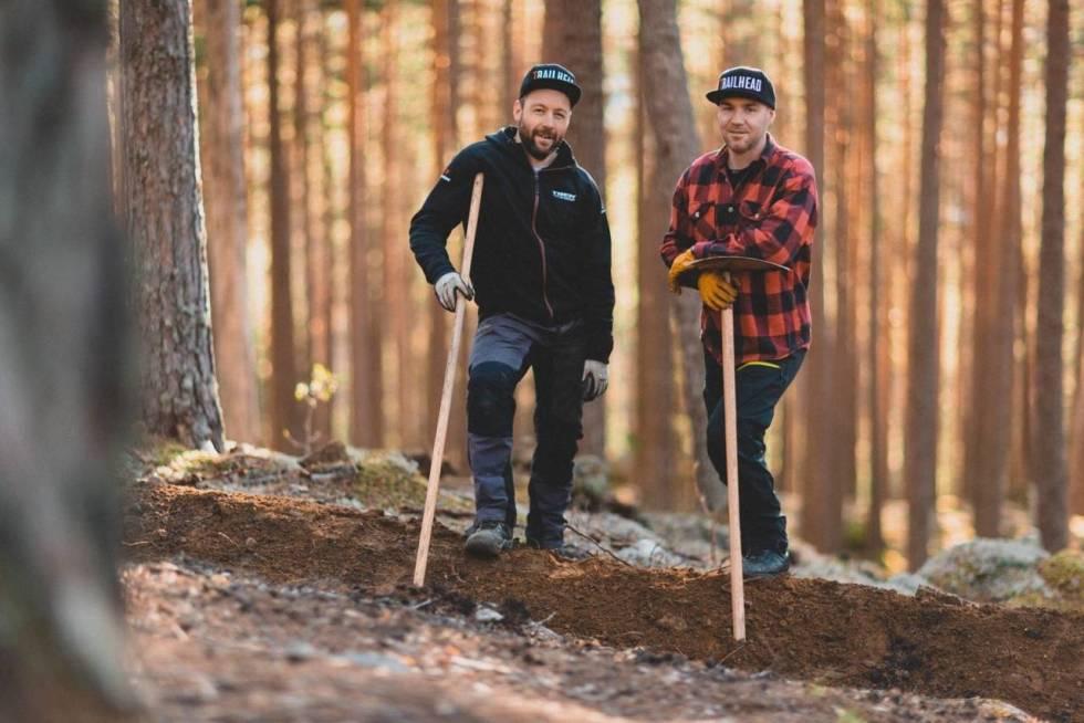 GRÜNDERE: Ove Grøndal (til venstre) og Knut Lønnqvist i Trailhead Nesbyen arrangerer enduro-NM 2021 i samarbeid med Nesbyen IL Sykkelgruppa. Foto: Kristoffer H. Kippernes