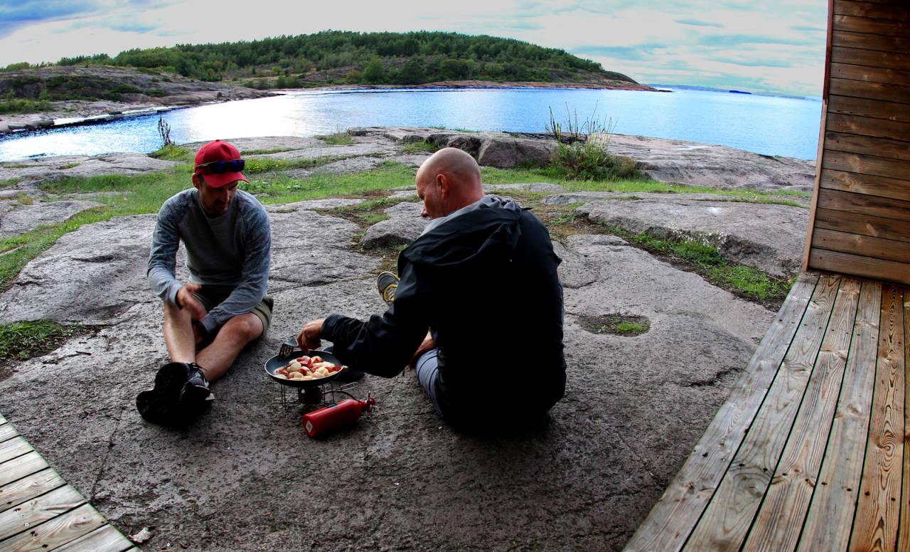 PADLEHUK: Et godt alternativ til telt for den som er ute etter det enkle friluftsliv. Foto: Frank Tindvik