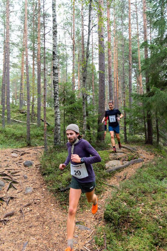 BYE: En av Oslos sterkeste ultraløpere, Patrick Stangbye stikker avgårde i front. Foto: Tåsen-tier´n