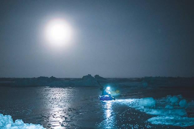 POLHAVET: – Av og til, særlig når det var fullmåne, var det som å være på en annen planet. Eller som dag 1 på jorda. Foto: Børge Ousland