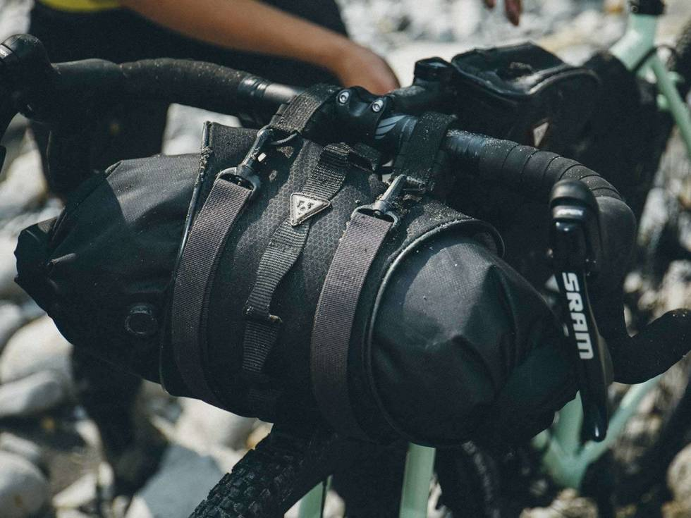 product-bikepacking-frontloader-frontloader-lifestyle1-13a5947f0cf30dc76762015722ae7641