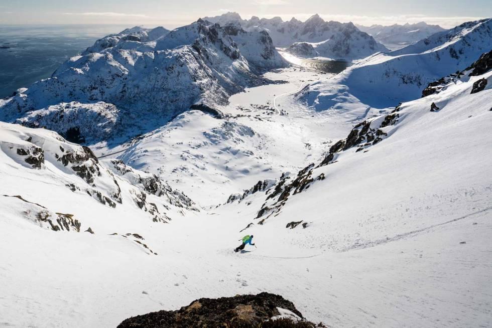 Renner-i-Norge-Stornappstind-Lofoten