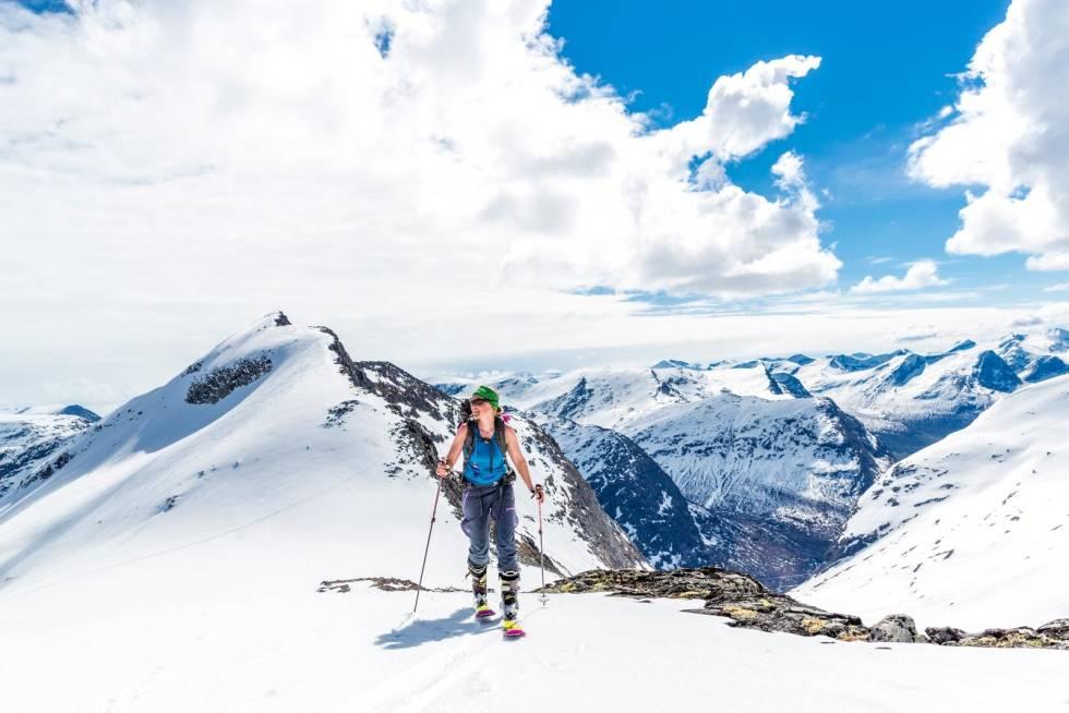 Ringshornet-Toppturer-i-Romsdalen-med-rute-2