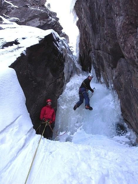 – Nice climbing, sier briten og følger på tredje taulengde på Rjukanfossen. Foto: Dag Hagen