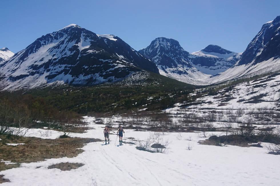 Romsdalen sommer ski topptur randonee fri flyt utemagasinet