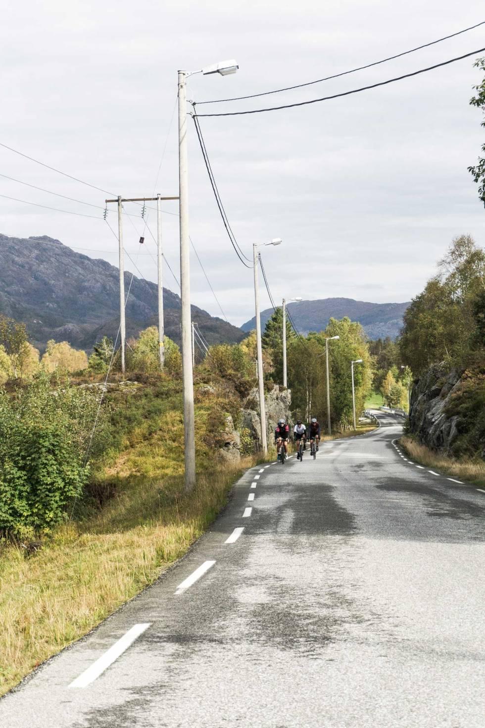 Rundt-Gullfjellet-Landevei-2