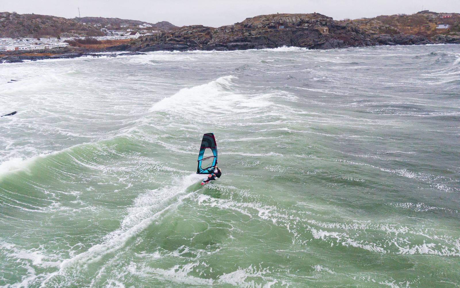 Windsurfing Saltstein Bølger foto: Christian Nerdrum
