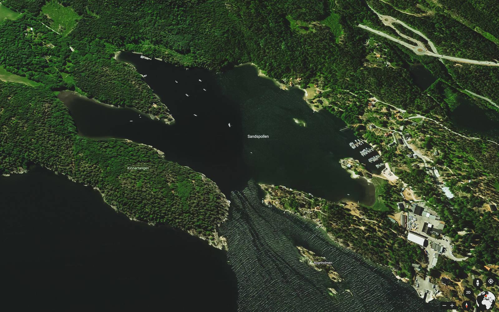 Sandspollen er en innsnevring i Vestfjorden, beskyttet fra de fleste værtyper.