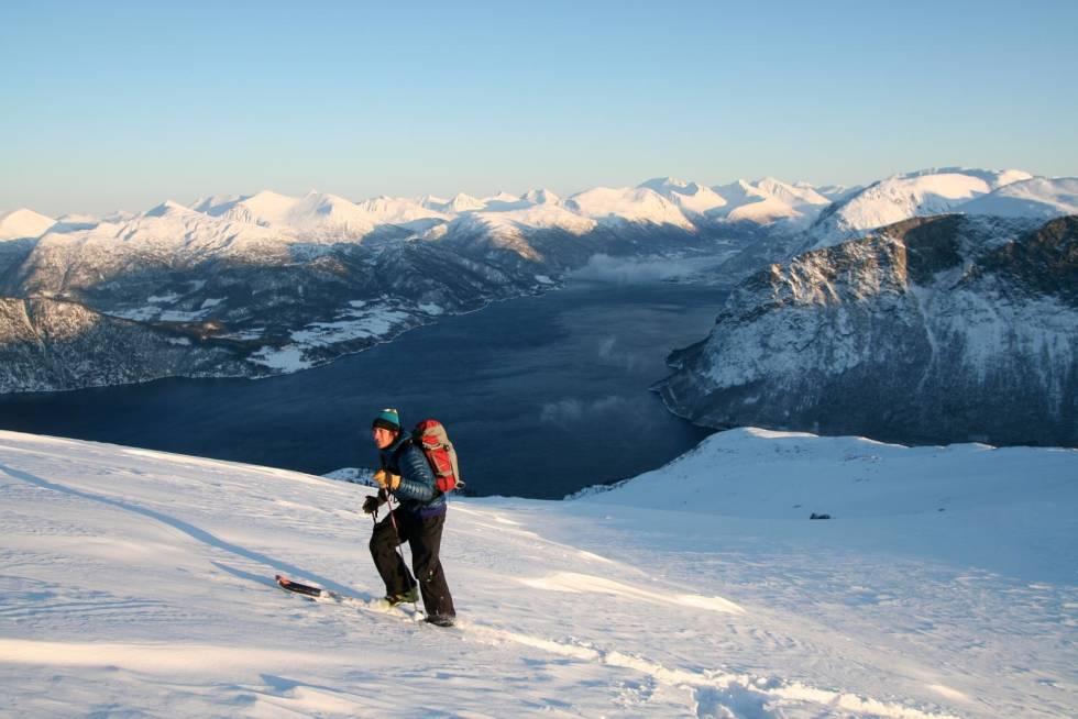 Skarven-Toppturer-i-Romsdalen-2