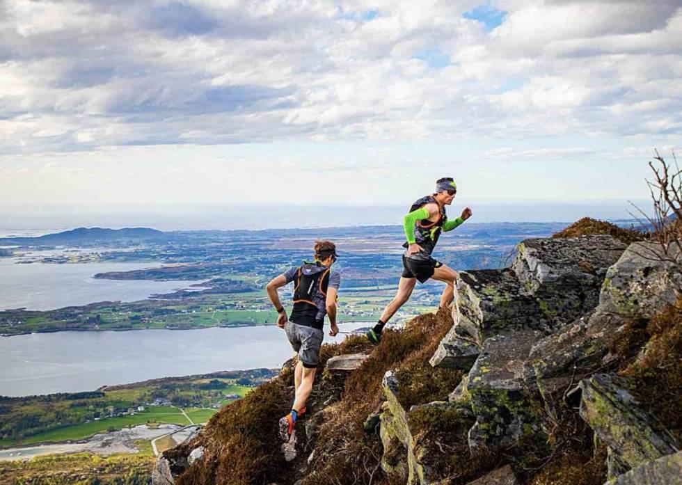 Sebastian Krogvig og Ola Hovdenak på treningstur
