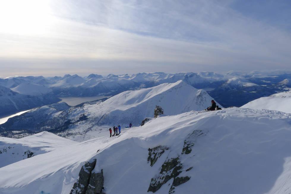 Smørbottfjellet-Toppturer-i-Romsdalen-3
