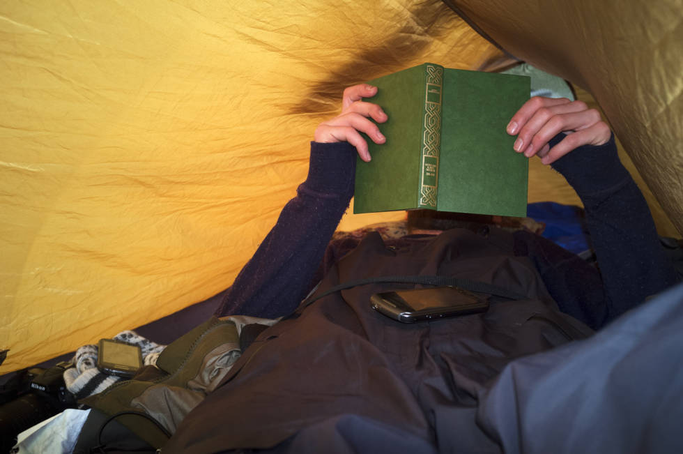 TELTKOS: Selv på snowboardturer kan man nyte litt teltkos.