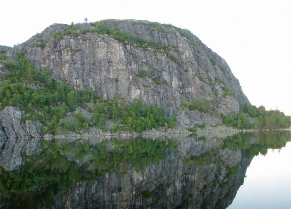 Straumsfjorden-Padletur-i-Villmarka-Christoffer-Falck-Johansen-4