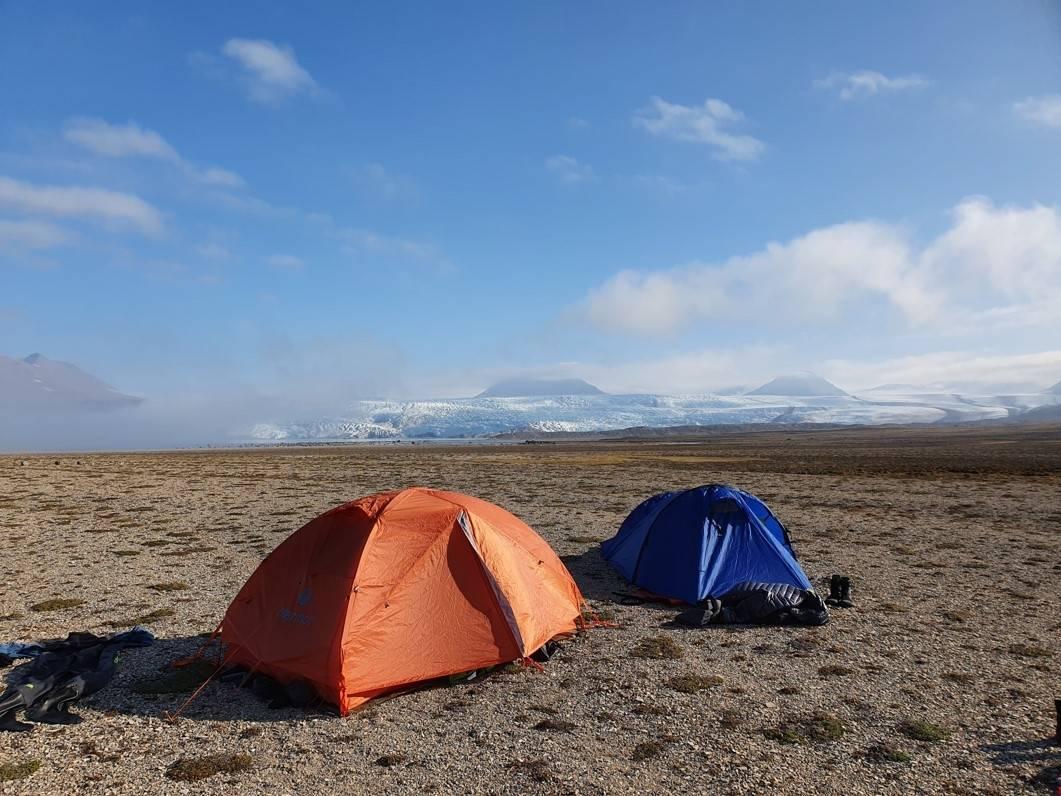 telt camp ved Brucebyen med Nordenskiøldbreen. Foto Leif Riis