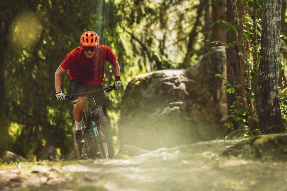 DUELL: Canyon Lux Trail vs Santa Cruz Blur