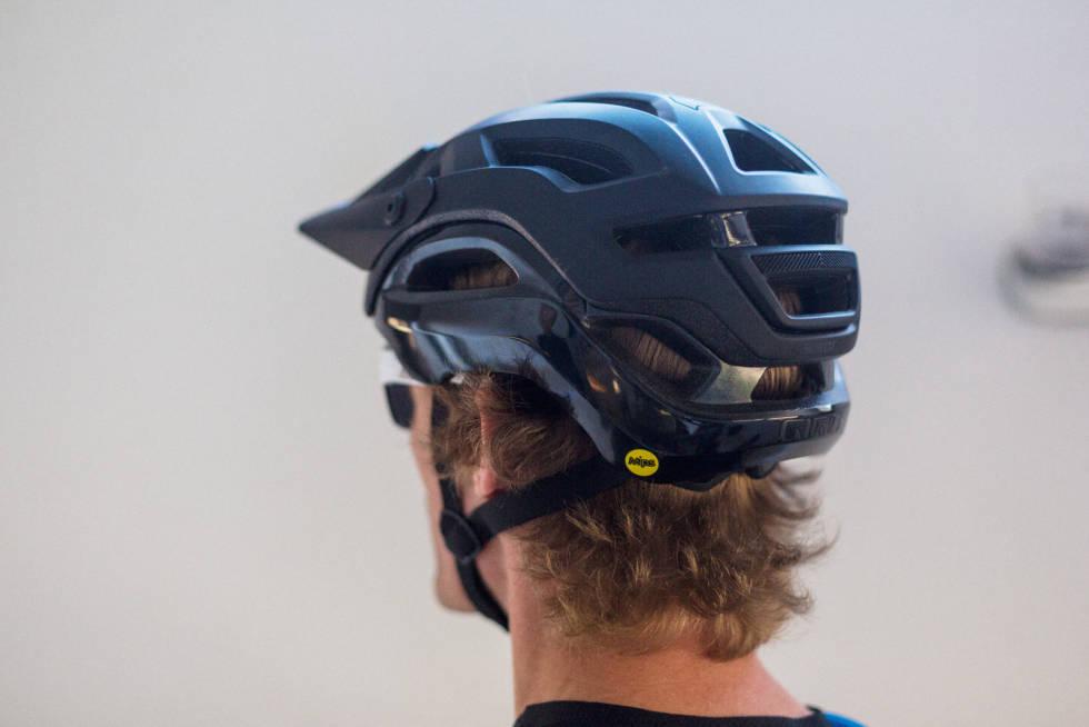 Test-giro-sykkelhjelm-2