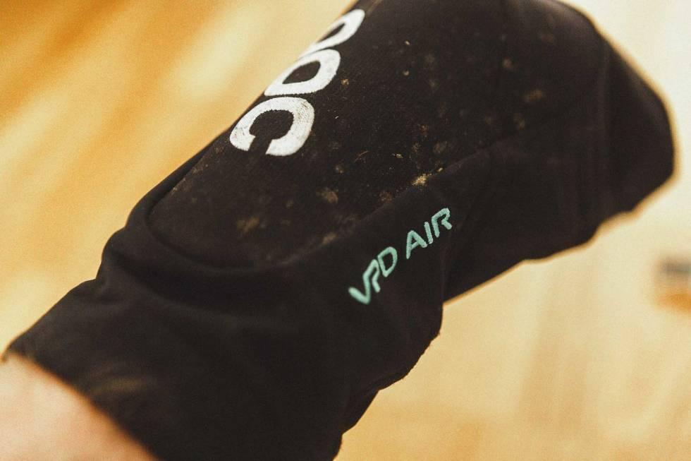test knebeskytter sykling poc