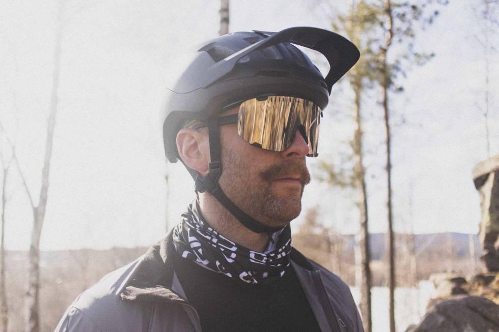 test sykkelbrille poc devour