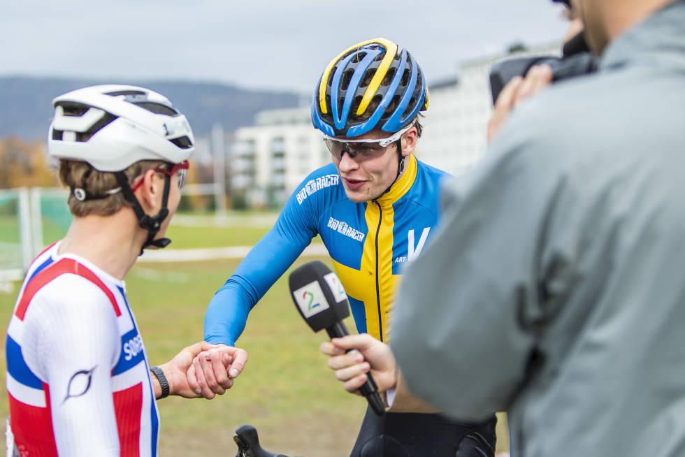 MESTERMØTE: Tobias Johannessen slo den svenske krossmesteren Martin Eriksson på Superpokal Voldsløkka 2018. Foto: Pål Westgaard