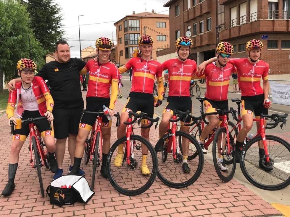 uno-x-dare-bikes-development-team