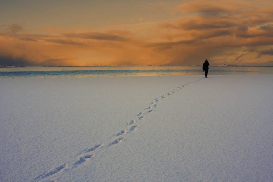 EN DAG I MARS: Bildet er fra Gildeskål sør for Bodø, her hvor vær og lys skiftet ofte og dramatisk. Foto: Terje Johansen