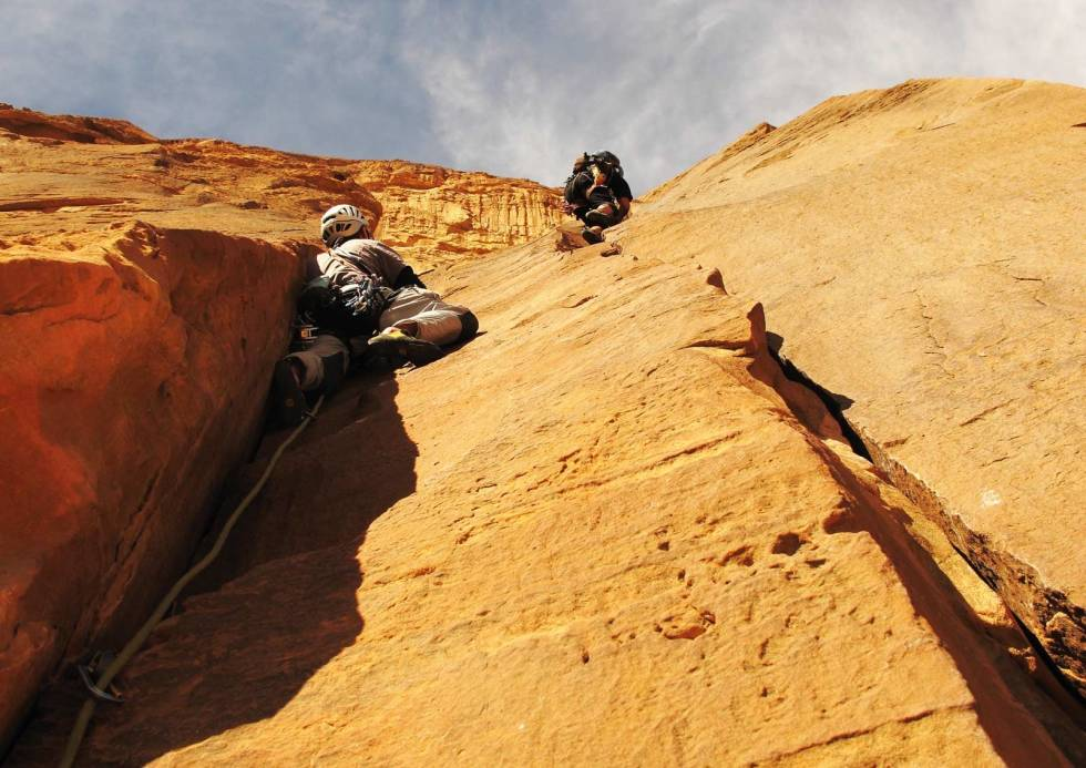 Wadi-Rum-Jordan-klatring-4