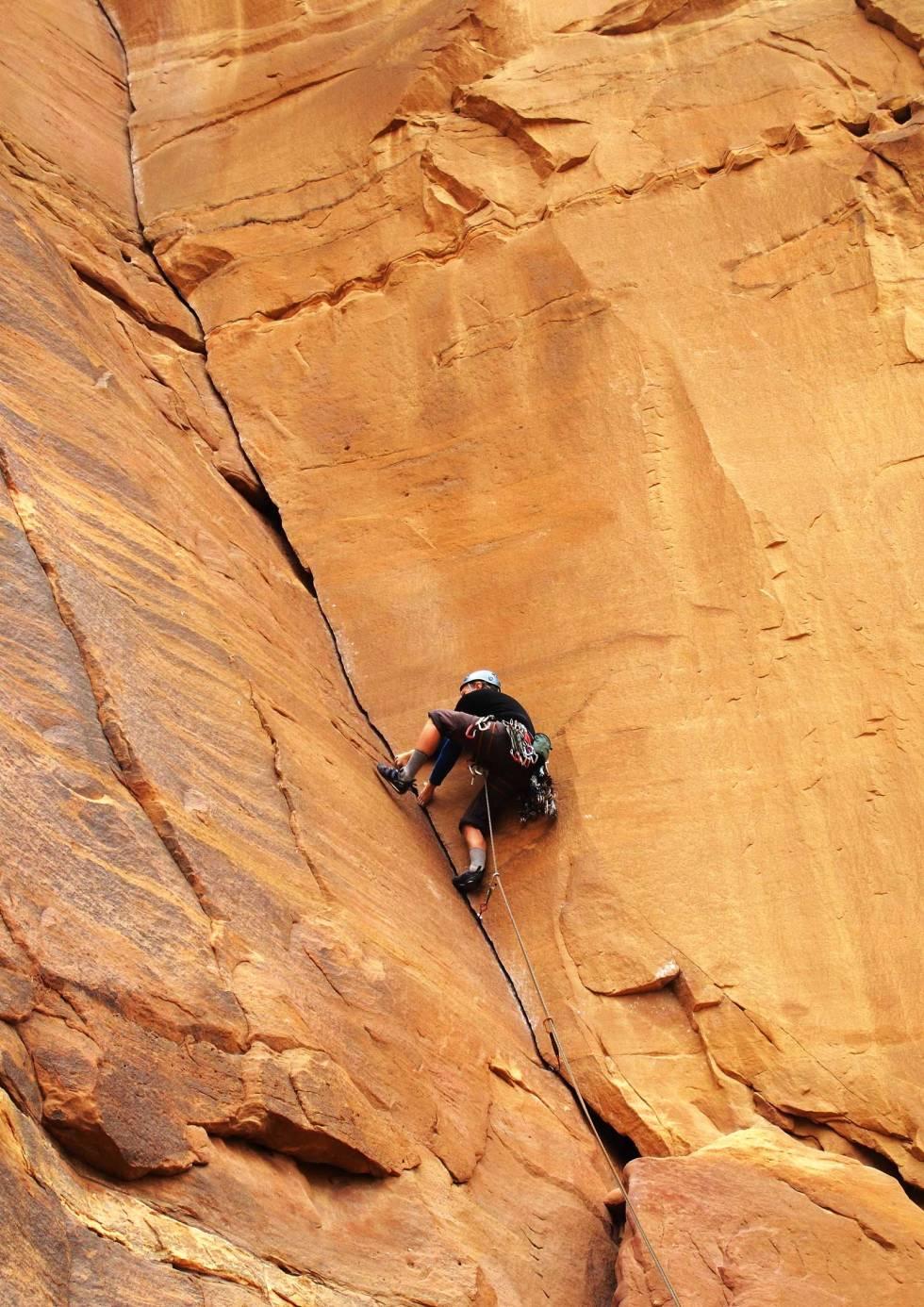 Wadi-Rum-Jordan-klatring-8