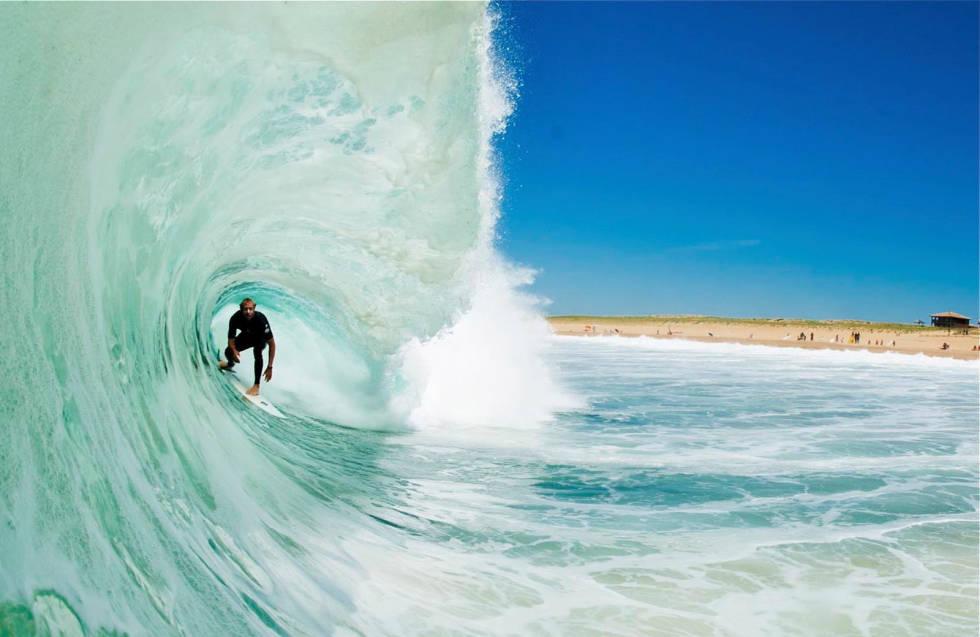 Franske beachbreaks kan være litt i overkant for de fleste, men med rett størrelse og tide, så finner alle noe som passer. Bilde: Laurent Pujol