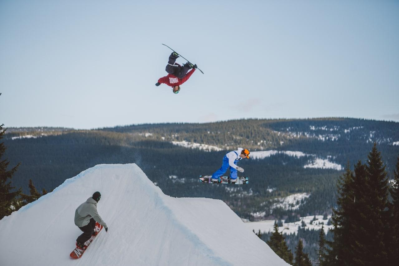 Vinnerlaget kjørte tett og dro på hele dagen! Foto: Process Films/Snowboardforbundet