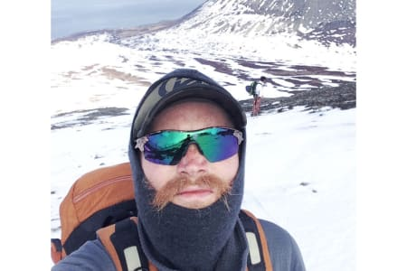 REISEBREV FRA LYNGEN, TROMS: Hello, I just arrived in my fantastic balaklava. Foto: SELFIE