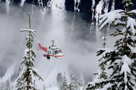 PÅ HJEMMEBANE: Canadian Mountain Holidays startet med heliskiing på 50-tallet og har tilgang på enorme områder. Foto: Erlend Sande
