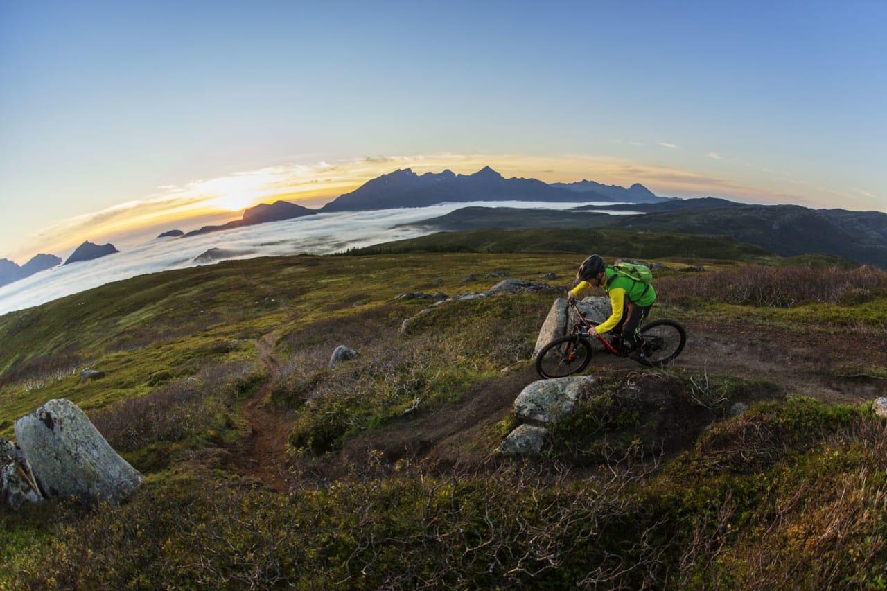 STORT TRYKK: Lofoten er et område som er populært blant friluftsturister. Foto: Kristoffer H. Kippernes