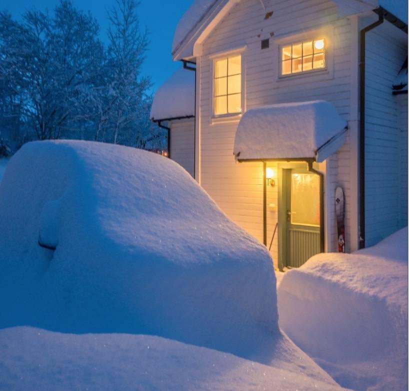 Når snøen har dumpet ned er det veldig kjekt å slippe å kjøre for å komme til gullet! Foto: Romsdal Lodge